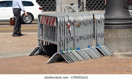 Temporary metal fences for concerts and events