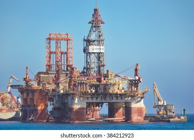 TENERIFE, SPAIN - JANUARY 10: Petrobras oil platform docked, waiting for be repaired on January 10, 2016 in Tenerife port, Spain.
