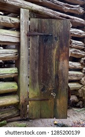 Tennessee, Great Smoky Mountains National Park, Cades Cove, Elijah Oliver Place, Corn crib door