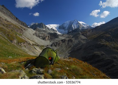 Tent bivvy facing Mt Blanc de Cheilon