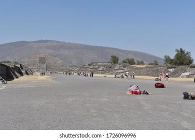 Teotihuacan State of México  / México; February 14, 2020; Crafts commerce in San Juan Teotihuacan State of México.