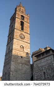 Teramo /Abruzzi, Italy): the medieval cathedral (Duomo) at evening, belfry