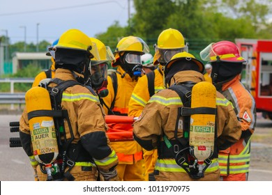 TERENGGANU, 10 JANUARY 2018 - Fire fighters were waiting for instructions prior to emergency response.
