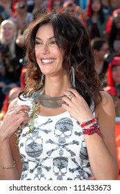 """Teri Hatcher at the World Premiere of """"Pirates of the Caribbean: At World's End"""". Disneyland, Anaheim, CA. 05-19-07"""