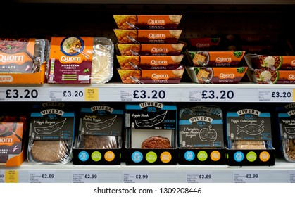 Tesco supermarket, Hove, England, 2019. Vegetarian and vegan food ranges can be found in all British supermarkets as the trend for plant-based and meat-free food becomes increasingly popular.
