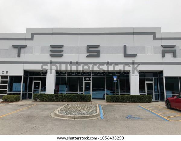 March Motors Jacksonville Fl >> Tesla Motors Electric Battery Automotive Retail Stock Photo