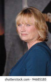 """Tess Harper at the Los Angeles premiere of her new movie """"No Country for Old Men"""" at the El Capitan Theatre, Hollywood, CA. November 5, 2007  Los Angeles, CA Picture: Paul Smith / Featureflash"""
