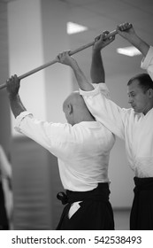 Testing of fighting techniques with a sword in aikido