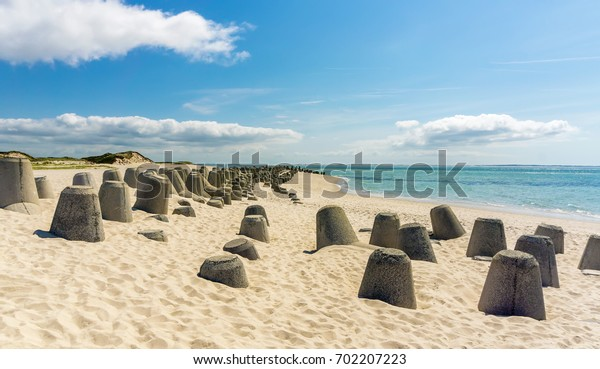 Tetrapods (type of structure in coastal engineering used to prevent erosion) at Hörnum beach - Hörnum, Sylt, Germany