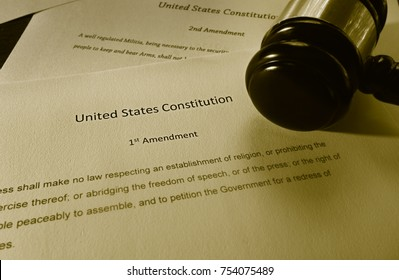 Text of the First Amendment of the US Constitution and court gavel