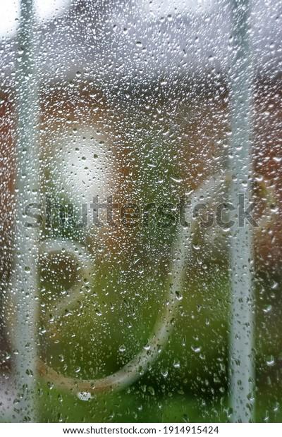 texture-drops-on-glass-against-600w-1914