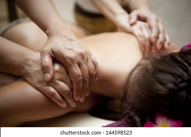 Thai back massage with four hands