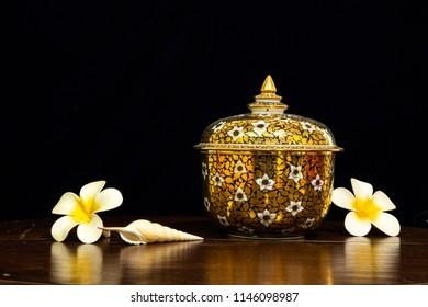 The Thai Benjarong