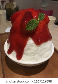 Thai Bingsu with fresh strawberry,Bingsoo
