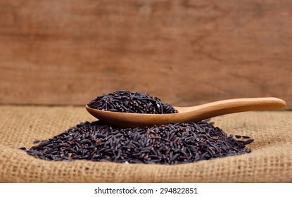 Thai black jasmine rice (Rice berry)