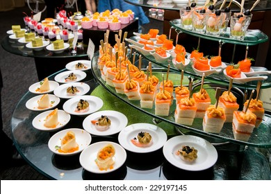 thai dessert on buffet line