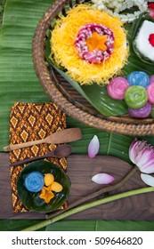 Thai Desserts on banana-leaf.