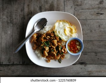 thai food, famous menu, pad kra pao kai, spicy fried chicken with basil leaves,