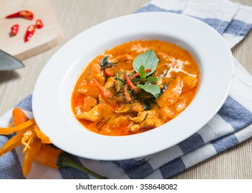 Thai Food, Savory curry with chicken