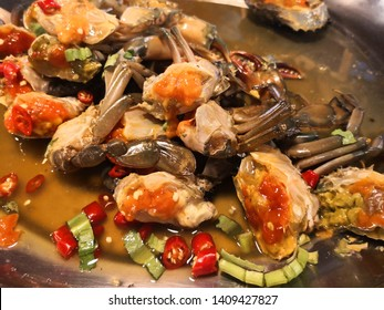 Thai food, Yum Pu Dong,Spicy Pu Dong(Crab pickle) thaifood, Fresh crab females with eggs marinated to taste And the delicious smell of seafood Recommended,selective and solf focus.