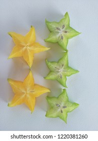 """Thai fruit is called """"Carambola"""". The fruit of the carambola cut into a five-pointed star. The sweet and sour properties of the drug is hot in the heat to reduce heat in the body."""