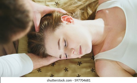 Thai massage session for hear and head for beautiful lady