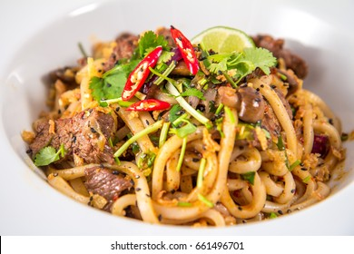 Thai noodles with beef
