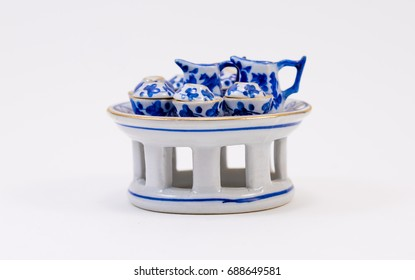 Thai painting blue tea set on side view with a few cup