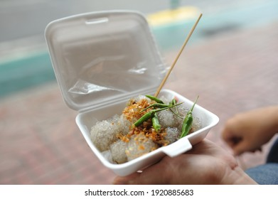 thai street food dessert a kind of ricecake in a box