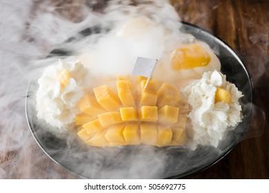 Thai style mango Ice Cream Set and dry ice