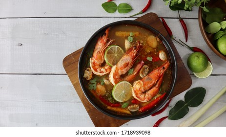 Thai Tom Yum Kung ( Tom Yum Soup )