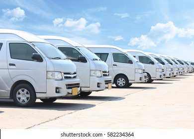 Thai van transportation service assemble in Meaung thong thani , 17 January, 2017 Nonthaburi Province,THAILAND