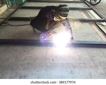Thai welder working without safety