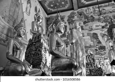 Thailand, Bangkok, Indrawiharn temple (Wat Indrawiharn), 19th century, golden Buddha statues
