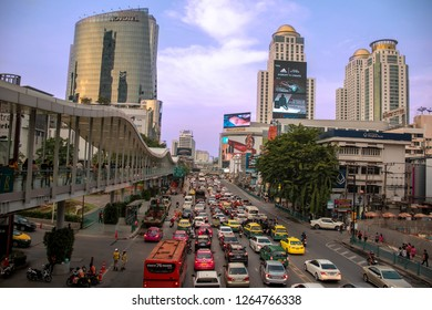 Thailand, Bangkok - November 2018: Busy street in the shopping area on the wat to Platinum shopping mall