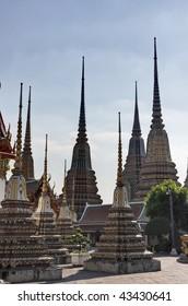 Thailand, Bangkok, Pranon Wat Pho, laying Buddha temple, roof ornaments