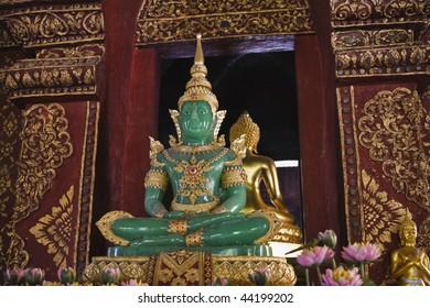 Thailand, Chiang Mai, Phra Singh Temple (Wat Phra Singh), Emerald Buddha statue (jade)