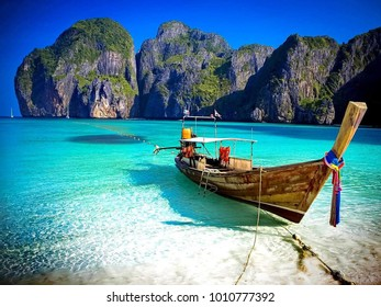 Thailand has many seas. And there are many islands.