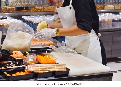 Thailand. Hua hin. February 2020. The street food. cooking autdoor. Asian cuisine on the street. Sushi