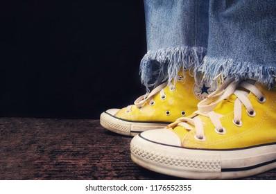 324d4e98860b Converse Shoes Images