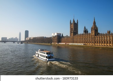 Thames river and Houses of Parliament, London, United Kingdom.