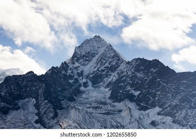 Thamserku mount, elevation 6623 m in Sagarmatha National park, Nepal Himalayas