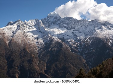 Thamserku mount (elevation 6623) view on the road to Everest Base Camp in Sagarmatha National park, Nepal Himalayas