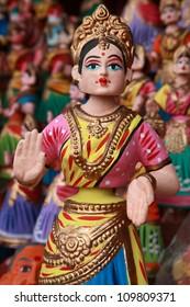 Thanjavur dancing dolls background