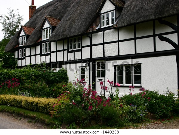 Thatched cottages in an Oxfordshire village
