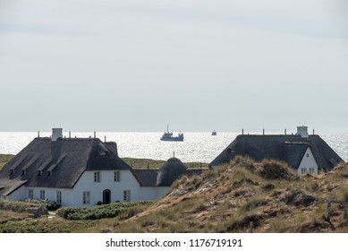 Thatched houses on the Red Cliff of Kampen on the North Sea island of Sylt 08.06.2018