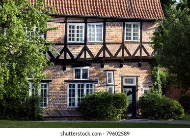 Thatched roof building in Lueneburg, Germany