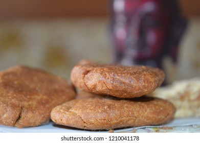 Thekua is a revered Bihari sweet offered to the Gods in Chhath Puja. Atta and Jaggery cooked in Ghee make for a perfect sweet snack.