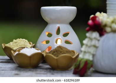 Therapeutic treatment of Thai traditional medicine using household herbs