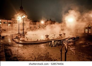Sz�©chenyi Thermal Bath